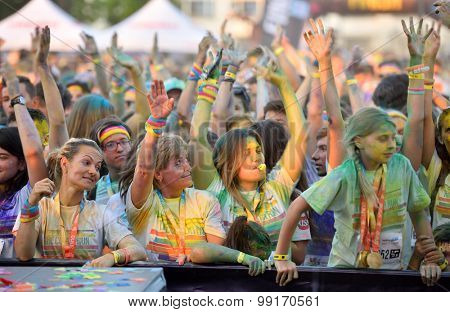 MAMAIA, CONSTANTA, ROMANIA - AUGUST 1, 2015: People participate in the Mamaia color run 2015 in Mamaia, Constanta.