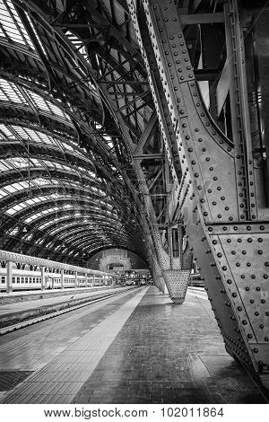 Milan Central Station - Binary