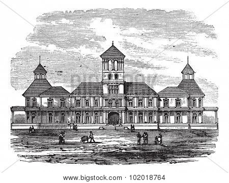 Honolulu government building in Hawaii, America, during the 1890s, vintage engraving. Old engraved illustration of Honolulu government building with people in front. Trousset Encyclopedia