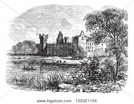 Ruins of Linlithgow Palace, West Lothian, Scotland, vintage engraved illustration. Trousset encyclopedia (1886 - 1891).