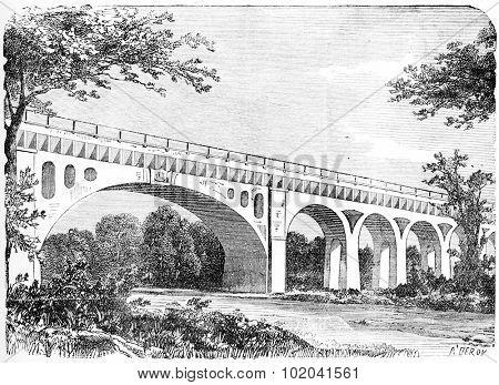 Fontainebleau Aqueduct in Seine-et-Marne, France, vintage engraved illustration. Industrial Encyclopedia - E.O. Lami - 1875