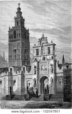 Giralda in Seville, vintage engraved illustration. Le Tour du Monde, Travel Journal, (1865).