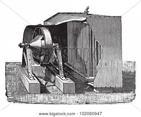 Dry air condenser, vintage engraved illustration. Industrial encyclopedia E.-O. Lami - 1875.