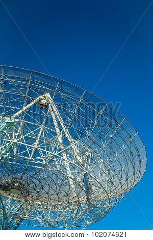 Giant Radio Telescope