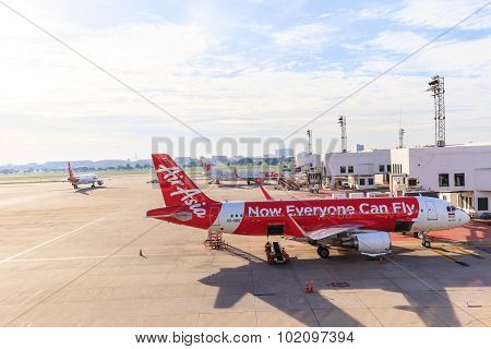 Airbus A320-200 Thai Airasia Connected To Jetway At Don Muang International Airport