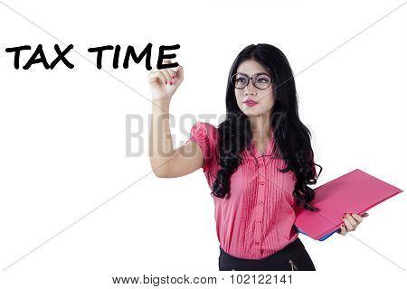 Pretty Woman Writes Tax Time