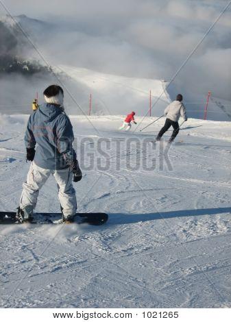 Skiing Down (Litle Bluri)