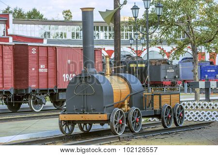 Model Of The First Russian Steam Locomotive.