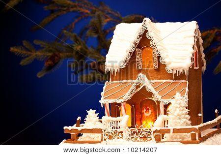 Lebkuchenhaus über Weihnachten Hintergrund