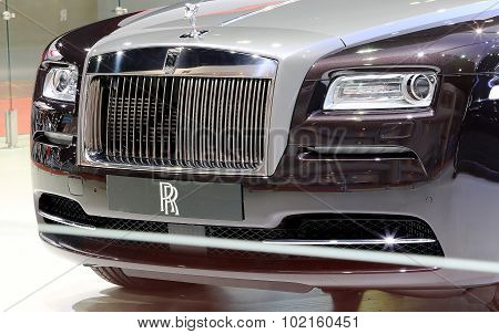 Front Grill Of Black Rolls Royce Luxury Car