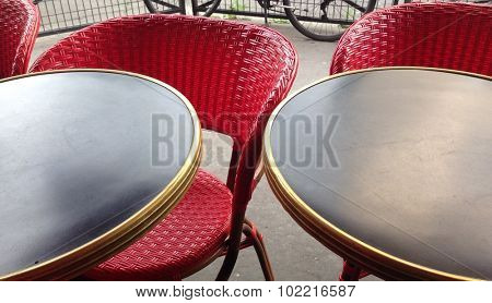 Table and chair perspective in restaurant in Paris