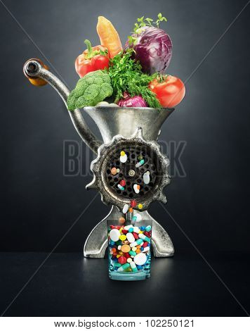Meat-chopper with vegetables