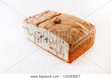sponge cake with cinnamon