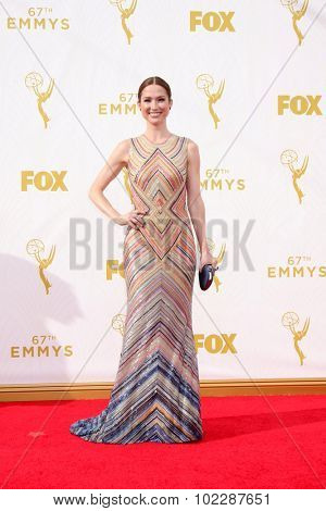 LOS ANGELES - SEP 20:  Ellie Kemper at the Primetime Emmy Awards Arrivals at the Microsoft Theater on September 20, 2015 in Los Angeles, CA