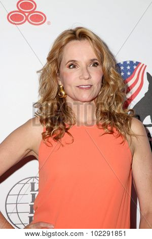 LOS ANGELES - SEP 19:  Lea Thompson at the 5th Annual American Humane Association Hero Dog Awards at the Beverly Hilton Hotel on September 19, 2015 in Beverly Hills, CA