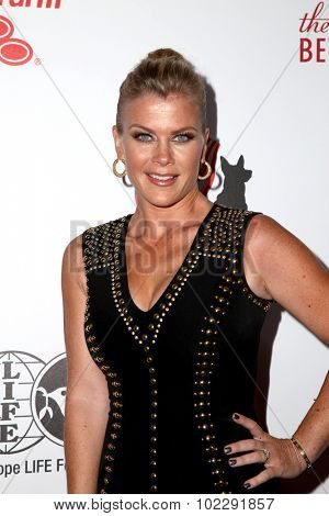 LOS ANGELES - SEP 19:  Alison Sweeney at the 5th Annual American Humane Association Hero Dog Awards at the Beverly Hilton Hotel on September 19, 2015 in Beverly Hills, CA