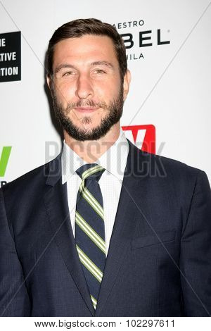 LOS ANGELES - SEP 18:  Pablo Schreiber at the TV Industry Advocacy Awards Gala at the Sunset Tower Hotel on September 18, 2015 in West Hollywood, CA
