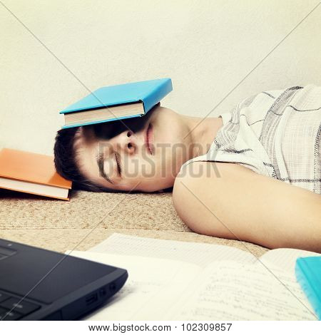 Student Sleep With The Books