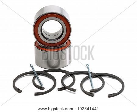 Set Of Two Wheel Bearings And Four Retaining Rings.