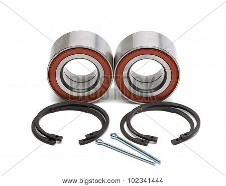 Set Of Two Wheel Bearings And Four Locking Rings In The Two Cotter Pin.