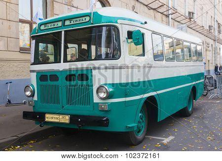 Old Bus Raf 251