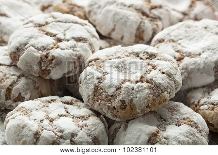 Dish with traditional Moroccan Ghribas cookies close up