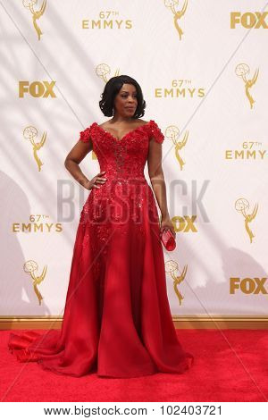 LOS ANGELES - SEP 20:  Niecy Nash at the Primetime Emmy Awards Arrivals at the Microsoft Theater on September 20, 2015 in Los Angeles, CA