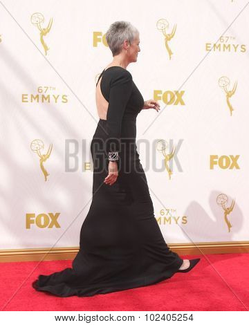 LOS ANGELES - SEP 20:  Jamie Lee Curtis at the Primetime Emmy Awards Arrivals at the Microsoft Theater on September 20, 2015 in Los Angeles, CA