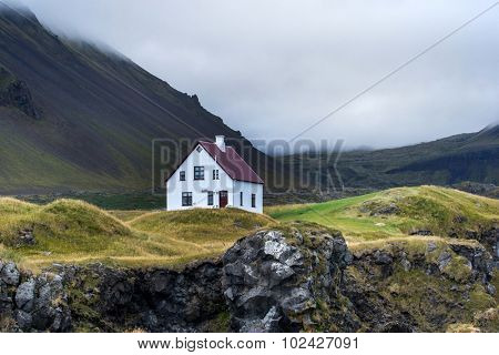 Farmhouse in remote parts of Iceland