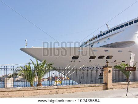 Cruise Ship Neo Costa Riviera