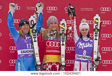 ZAUCHENSEE AUSTRIA. 08 JANUARY 2011.  Anja Paerson (SWE) (L) 2nd place, Lindsey Vonn (USA) (C) winner and Anna Fenninger (AUT) (R) 3rd place, during the presentation ceremony