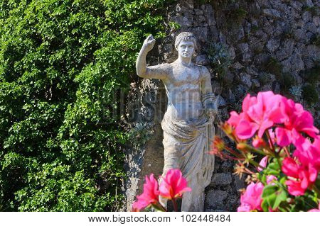 Capri Statue