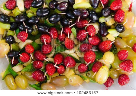 Kiwi, Banana, Strawberries, Grapes, Chees