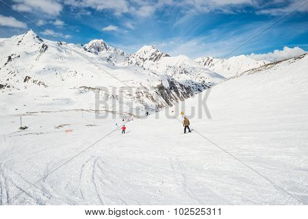 Speed Skiing In Scenic Alpine Resort