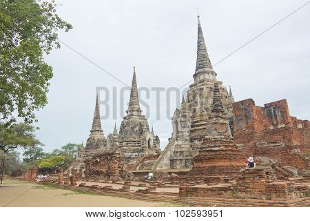 Wat Phrasisanpeth
