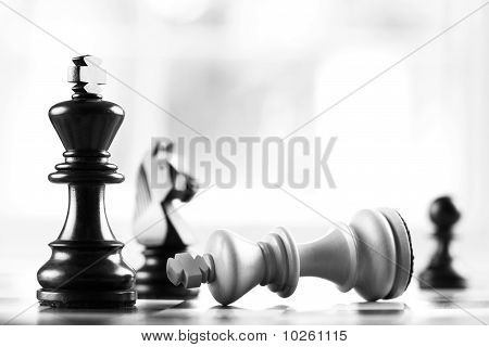 Checkmate Black Defeats White King