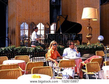 Piano cafe, Venice.