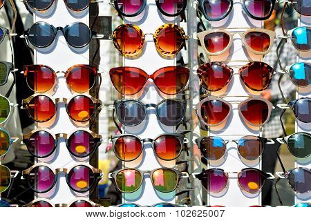 In  Sunglasses  The Light And Reflex
