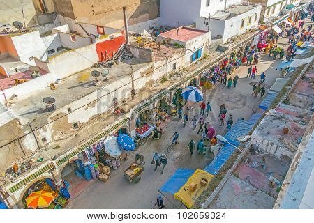 AS-SAWIRA, MOROCCO, APRIL 7, 2015: Busy Avenue Mohammed Zerktouni in medina - view from above