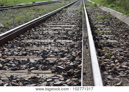 railroad train tracks / railwa