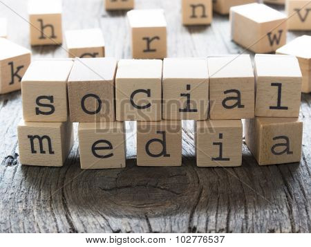 SOCIAL MEDIA word made of wooden letters