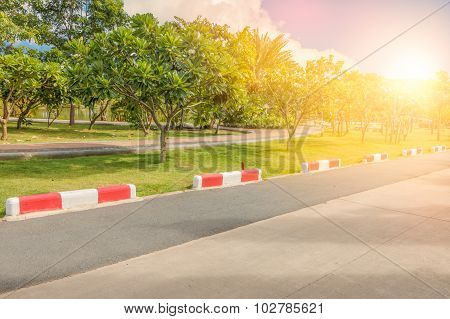 Jogging Track And Traffic Signal Line To Know Do Not Entry  The Garden In Public Park With Sunlight