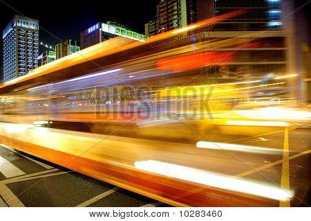 Vehículos de alta velocidad en vías urbanas