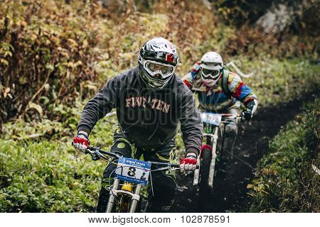 joint downhill athletes