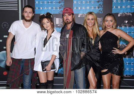 LOS ANGELES - AUG 30:  Braison Cyrus, Noah Cyrus, Billy Ray Cyrus, Tish Cyrus and Brandi Cyrus  2015 MTV Video Music Awards - Arrivals  on August 30, 2015 in Hollywood, CA