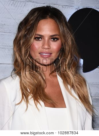 LOS ANGELES - SEP 24:  Chrissy Teigen arrives to the Go90 Sneak Peek  on September 24, 2015 in Hollywood, CA.