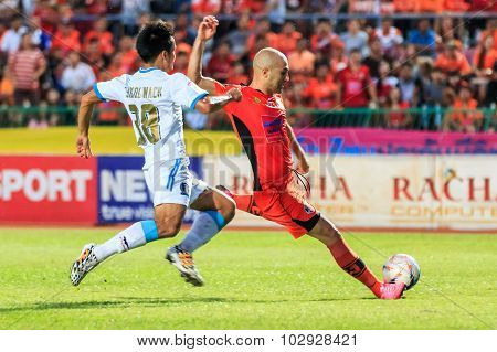 Sisaket Thailand-september 20: Mohsen Bayatinia Of Sisaket Fc. (orange) Shooting Ball During Thai Pr