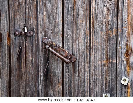 rusty door handle