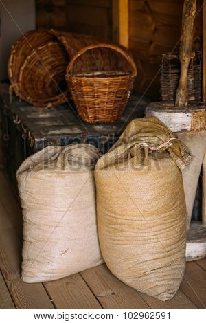 Elements of life of Russian peasants 16-19 centuries. Sacks of f