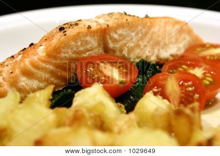 Salmon And Spinache With Roast Potatoes.